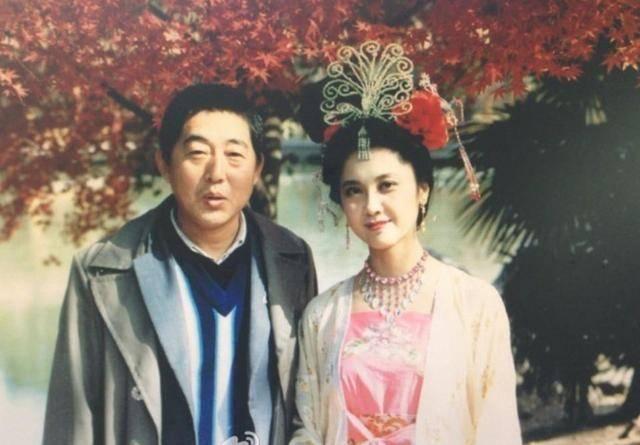 """""""女儿国国王""""朱琳近照曝光,53岁再婚,至今无儿无女气质依旧"""