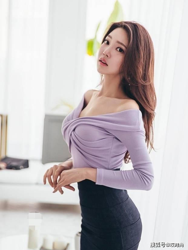 街拍:文静贤惠清秀的美女,丰腴有致,性感不失清