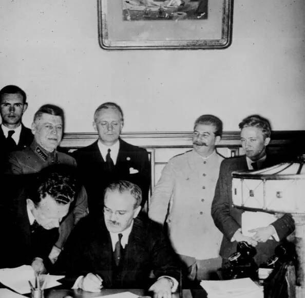 原创   同盟国两大军事强国苏联和美国,谁对二战的贡献更大    第4张
