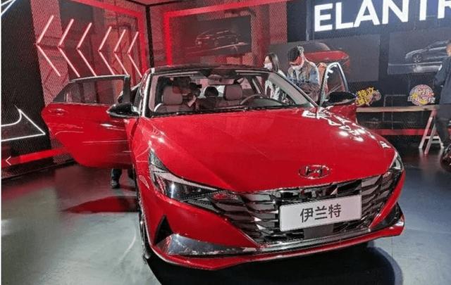 """广州车展直击:北京现代火力全开,明星车型惹""""围观"""""""