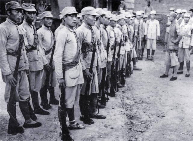 原创   肖劲光:黎川失守,受彭德怀保护,旱鸭子却被毛泽东钦点海军司令    第7张