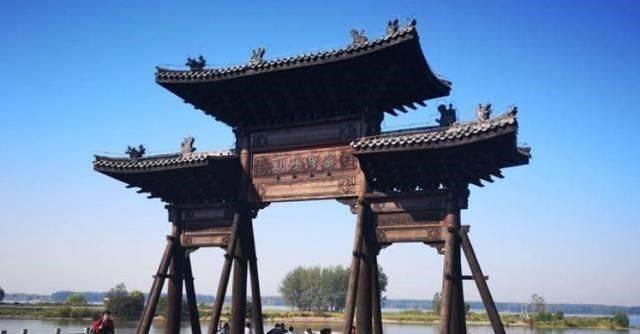 """起源于春秋的窑湾古镇,2头石狮""""召唤""""游客"""