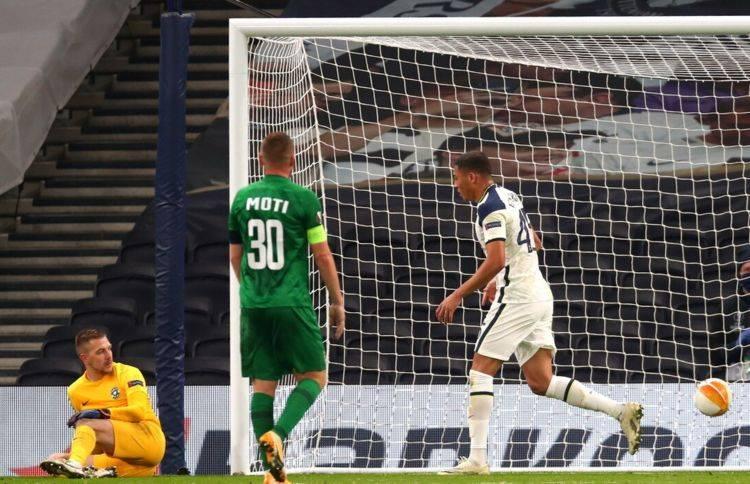 4-0!英超领头羊踢疯了,豪取5连胜,穆里尼奥迎来新帮手