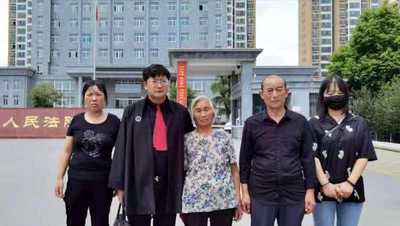 """原创 河南""""两儿一孙被枪杀案""""二审开庭:被告当庭翻供称系正当防卫"""