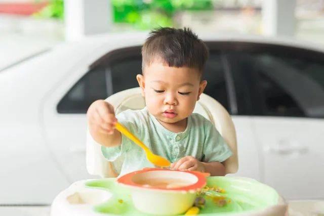 宝宝一岁后还天天喝粥?这样安排一天膳食营养又健康,值得收藏