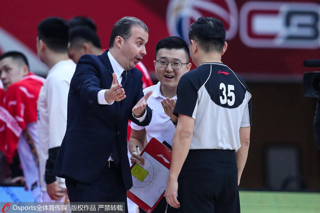 北京主帅:一些能改动比赛结果的要素 我无法把握