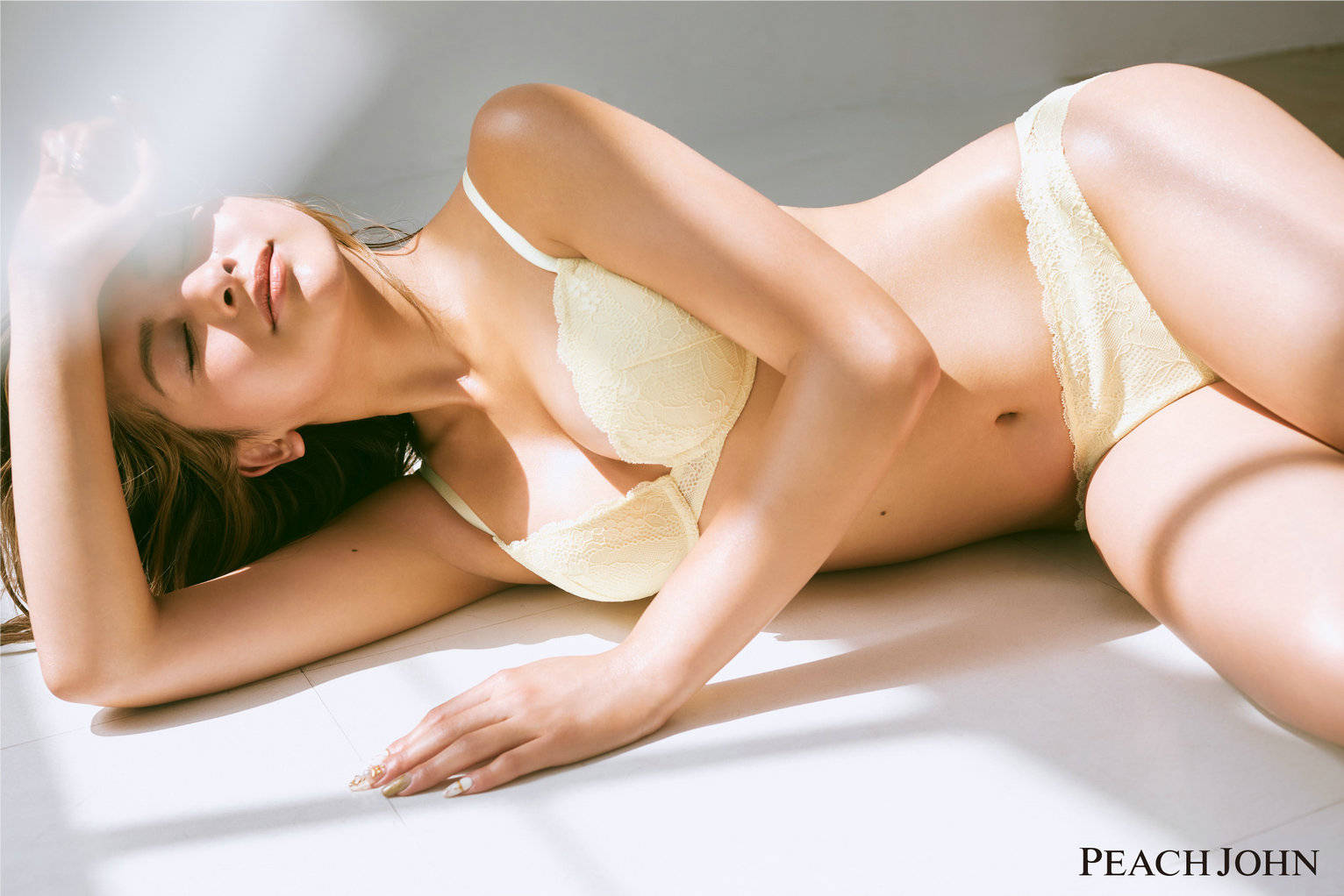 PEACH JOHN蜜桃派 美胸JOURNAL特辑——混血模特木村有希的美型秘诀