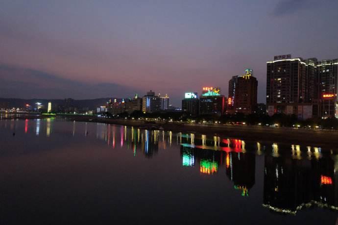 广西钦州gdp2020_广西钦州图片(2)