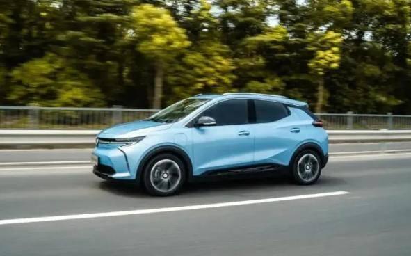 试驾别克新能源汽车微蓝7,体验全新驾驶体验