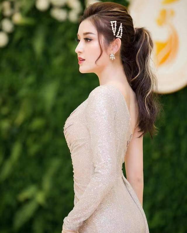 新晋越南第一美女Nguyen! 高颜值曲线有型,撞脸国内多个女明星_礼服