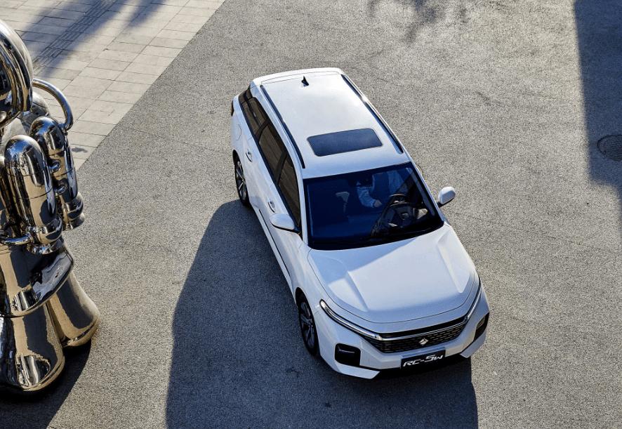 原厂旅行车裸车价格不到6万,油耗6.2L,轴距2.7米。这叫民用瓦罐