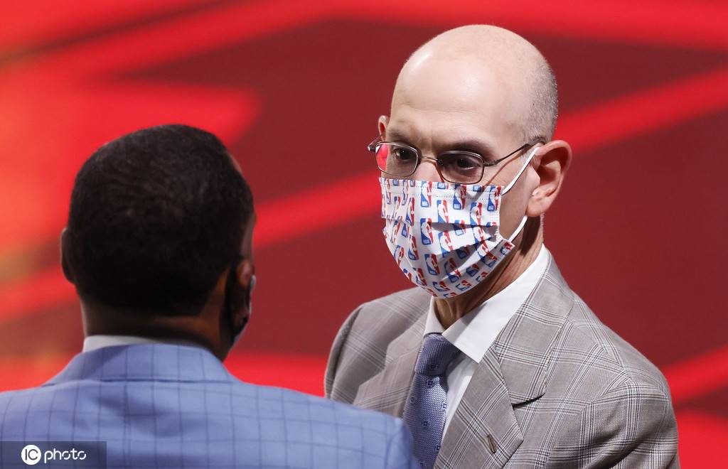肖华:NBA不会让球员首先接种疫苗 不以任何方法越线