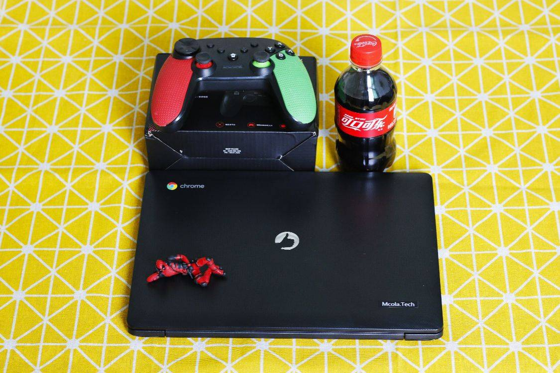 评价一台精彩的笔记本电脑,699等于电视盒游戏机笔记本