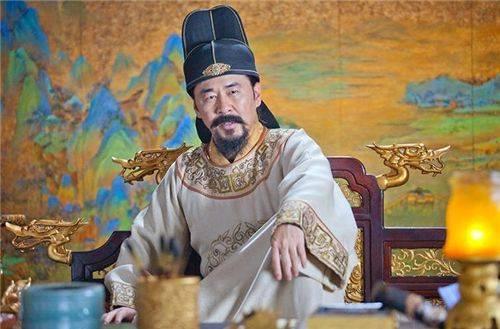 他是历史上唯一没有污点的皇帝,史学家都对他称赞有加,名字耳熟
