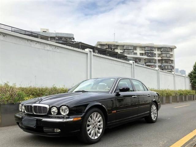 2005年的老捷豹为什么还值30万?金河汽车商务中心将为您展示二手捷豹XJ8