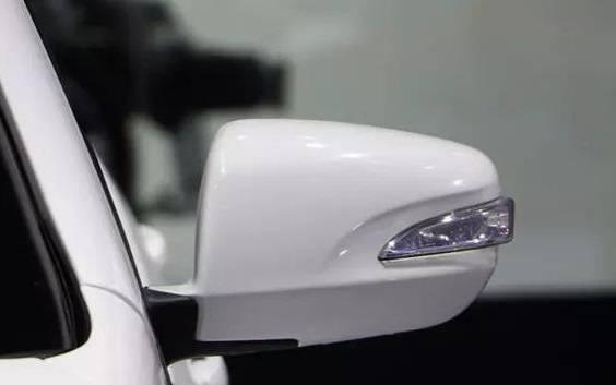 比亚迪原厂紧凑型车4533mm长,6速自动手动挡,但不贵