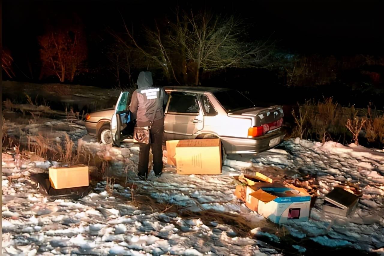 俄罗斯美女向老公坦白出轨同事,一小时后丈夫和俩娃在车内丧命