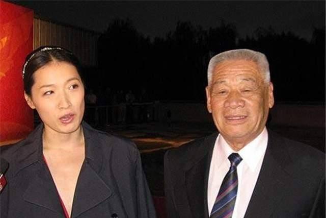 """中国""""蛙王""""穆祥雄,水下蛙泳创下佳绩,逼得国际泳联改规则"""