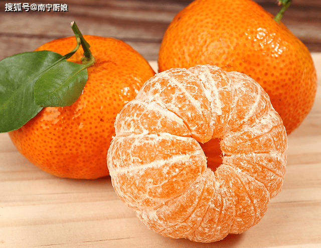 买糖橙怎么选?学习这四种选择技巧,确保你买的橘子香甜多汁