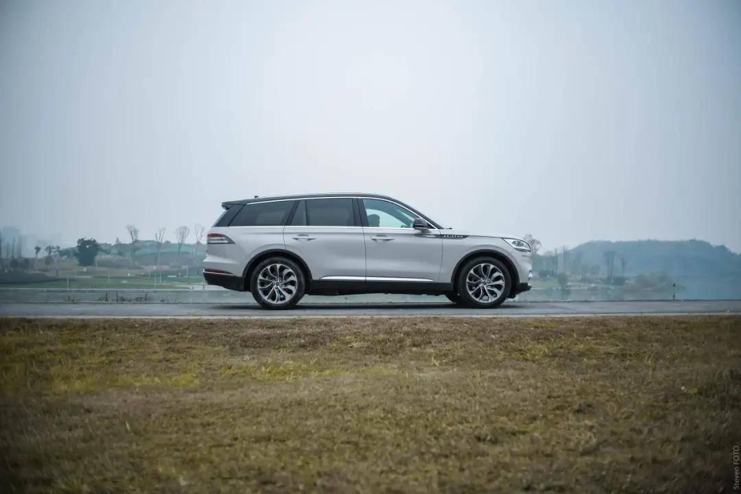 原装比奥迪Q7便宜。这款6缸豪华品牌大中型SUV只需要50多万