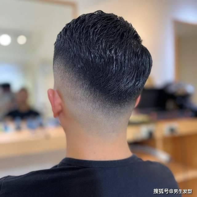 原来40岁的男人不乱剪头发。今年保留这11款。成熟帅气不老