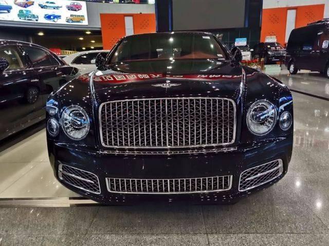 2020年宾利慕尚有一个很高的价格削减,一个受欢迎的汽车正在出售