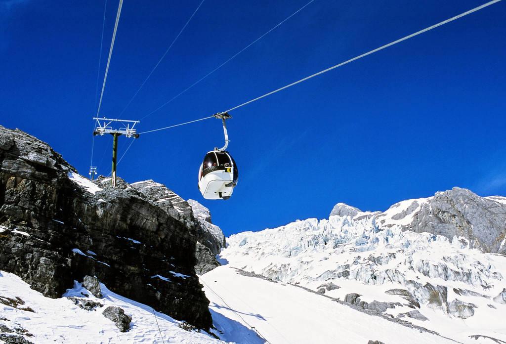 大玉龙旅游景区与玉龙雪山景区有什么不一样?去了该怎么玩