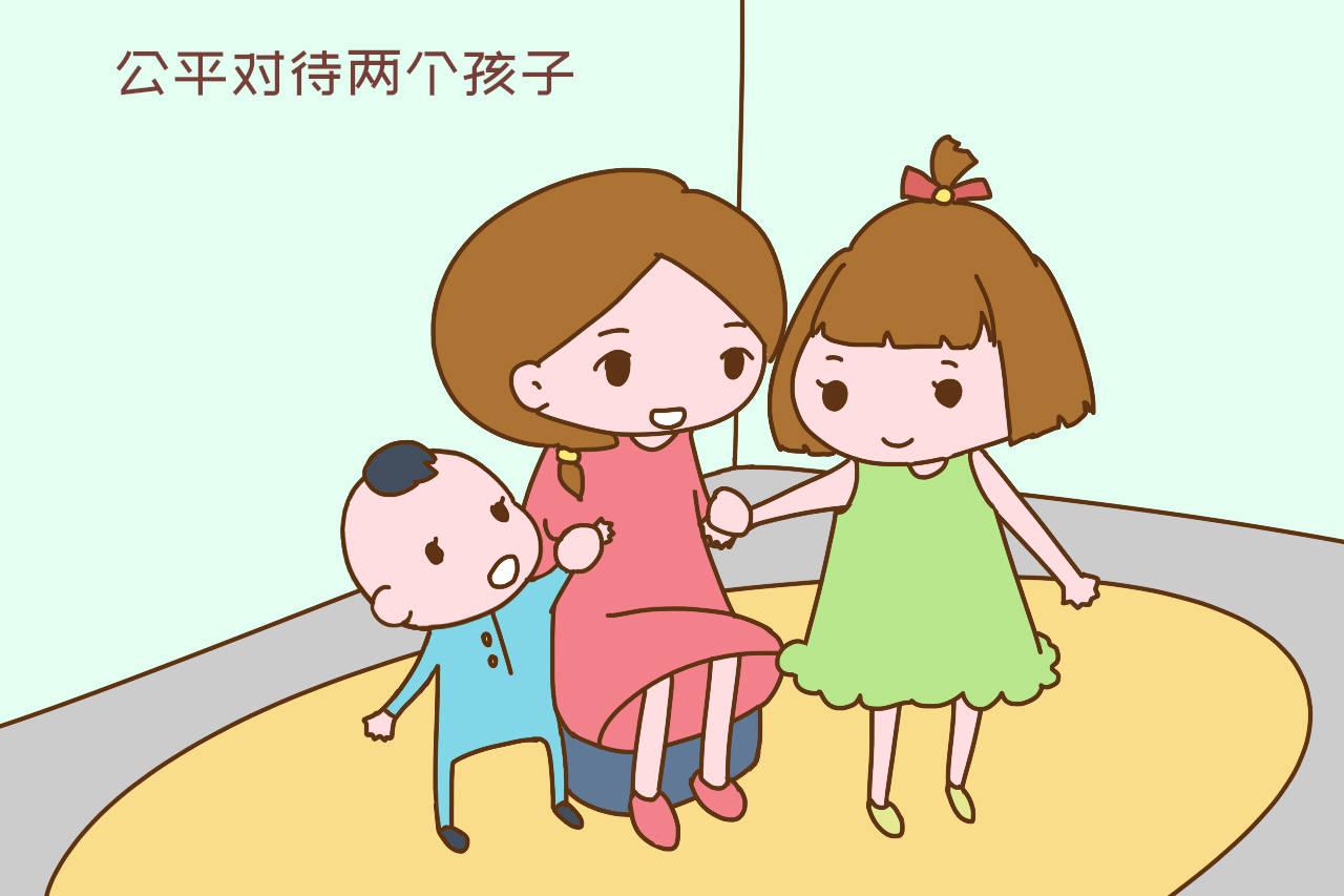"""""""宠姐狂魔""""男宝走红网络:生二胎,如何处理孩子们的关系很重要"""