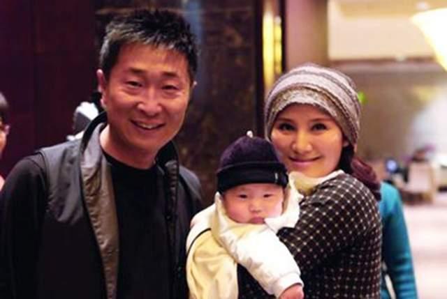 林永健被妻子吐槽抠门,五块钱雪糕不舍得买,却舍得富养儿子