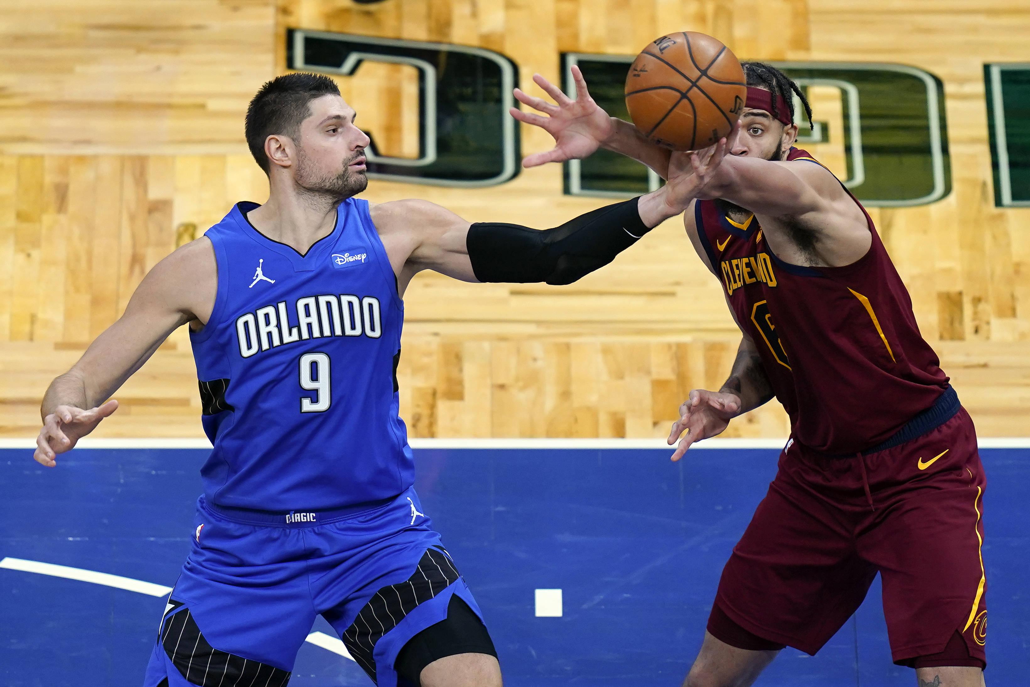 NBA新赛季常规赛继续进行,效果戏法以105-94打败骑士
