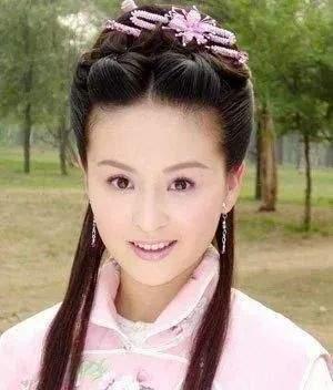 戴娇倩40岁肤白貌美气质佳,女儿继承高颜值,富豪老公痴心相伴  第6张