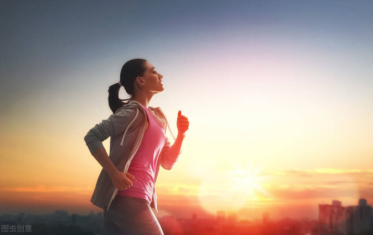 每天跑步4公里,除了瘦下来,你还会收获什么好处?