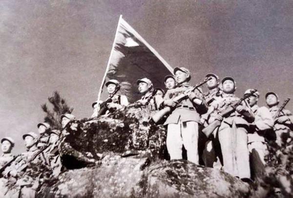 上甘岭战役中的奇迹:9名战士死守阵地,歼敌400仅3人轻伤
