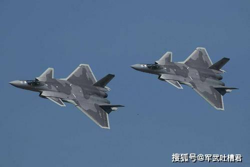 歼20体型偏大暗藏玄机,吸取F22重大教训,绝非发动机推力不足