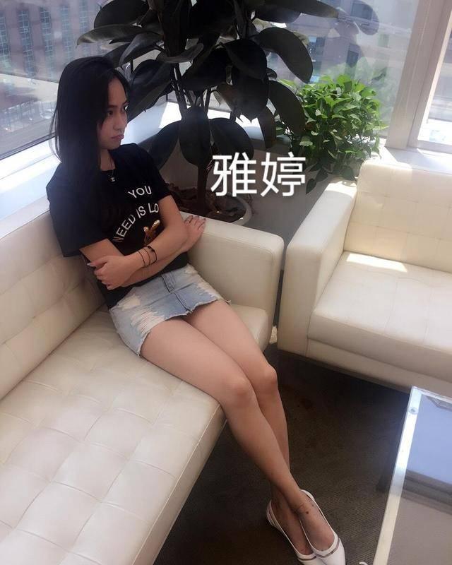 前国脚徐亮踢球开直播!34岁已三婚,婚后生2子,在京生活当教练