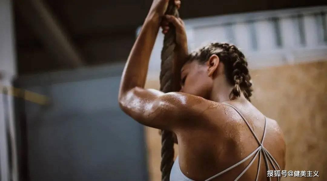 女明星靠泡脚不到一周瘦了8斤!不运动就能减肥是真实存在的吗?