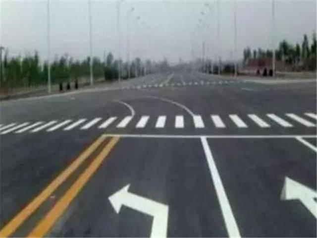 原来的左转道路没有标明掉头标志。我可以转身吗?车主:驾照分就这么没了