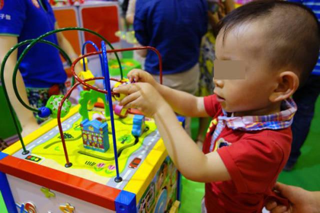 美国心理学家调查显示:玩具种类越多,孩子的各项能力越差  第4张