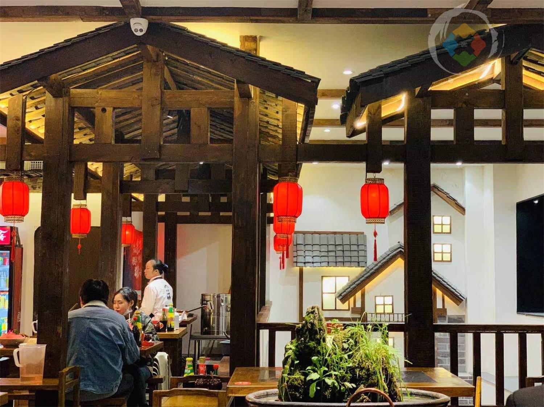 重庆别墅里的老火锅:特色熊猫肉又白又嫩,人均80元的精致体验