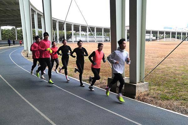国家马拉松队测试赛:彭建华张德顺分获男女组冠军