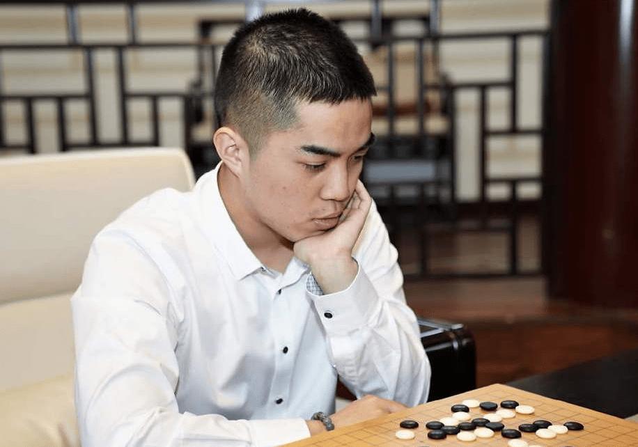 谢科成中国首位00后九段 柯洁唐韦星们将遇新挑战