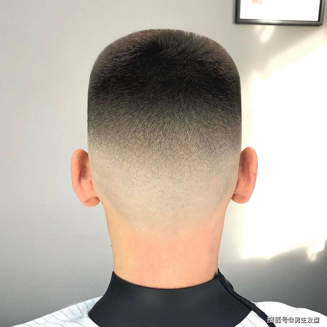 """男生理发不要只会""""稍微剪短"""",这12款发型阳光帅气,潮流有范"""
