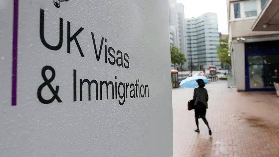 留学生必看!英国驻华使馆官宣更新英国学生签证政策