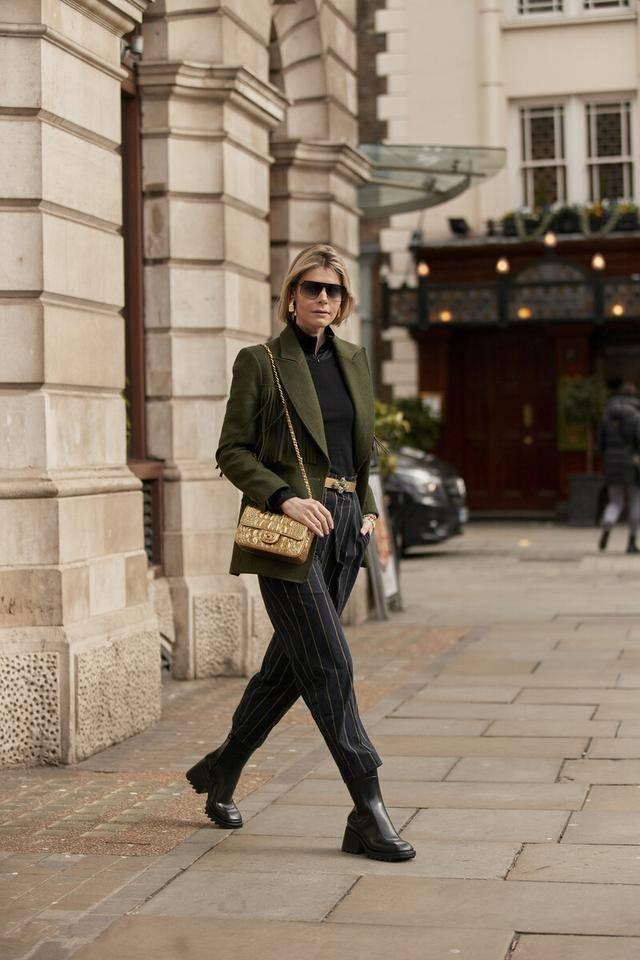 """原创             最近火了一种穿法叫""""短靴+九分裤"""",显高又飒爽,时髦一整冬"""