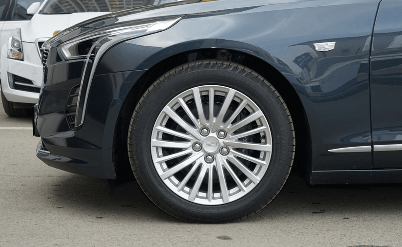 奔驰S级车身,卖A6L的价格现在降到了28.97万,帕萨特抢饭碗