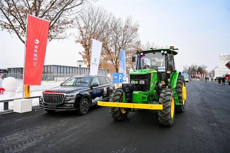 """无人驾驶汽车挑战赛开赛 除了萌趣小车 居然还有农用""""皮卡"""""""