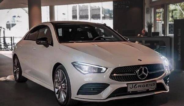 原装全新奔驰CLA 250海外真车到店,比宝马1系还要帅