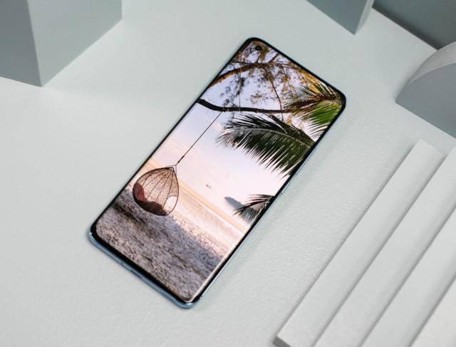 原创             临近春节手机别乱买,这四款新机值得考虑,比它们差的入手需慎重