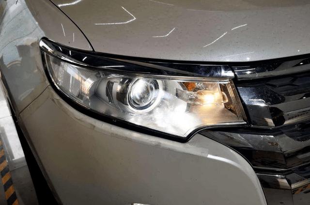 年检4次车灯不合格,车主怒了:原厂合格灯,凭啥不让过?