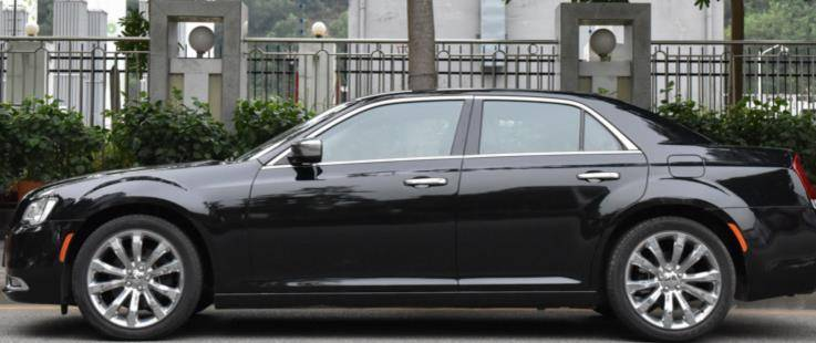 原装进口豪车从远处看像幻影,优于宾利,发动机搭载V6